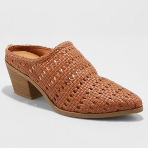 NWT Women's Woven Heeled Mules